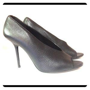 Burberry heels size 39/9 GUC